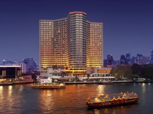 royal-orchid-sheraton-hotel-towers-bangkok_200520110424108235